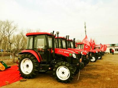 东方红-MF604拖拉机