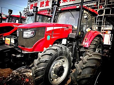 东方红-LG1404拖拉机