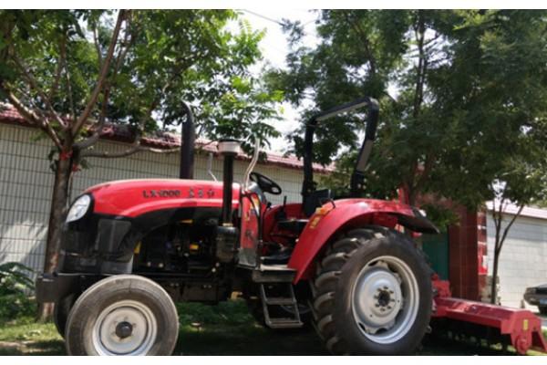 拖拉机,匹配东方红名优发动机;变速箱12+4