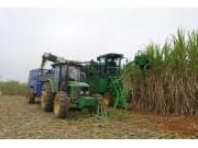 助推甘蔗全程机械化 约翰迪尔举办CH530演示推广活动