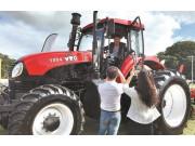 中国一拖轮式拖拉机荣获哈瓦那博览会产品质量金奖