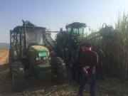 约翰迪尔甘蔗机及拖拉机产品亮相2016中国甘蔗机械化博览会