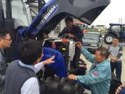 国三排放雷沃欧豹拖拉机批量交付上海用户