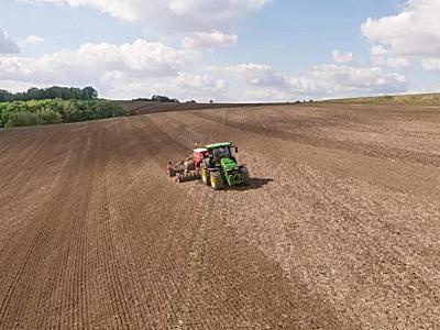 精准农业入门必备秘笈:约翰迪尔AutoTrac™自动导航
