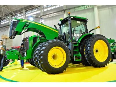 2016武汉国际农机展约翰迪尔风采