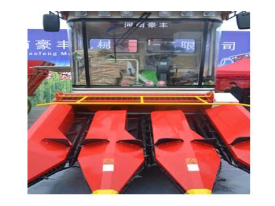 豪丰4YZ-3自走式玉米收获机
