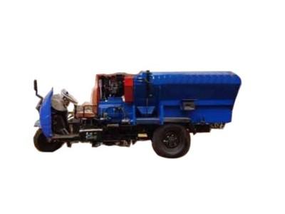 英杰9TMR移动式饲料搅拌机