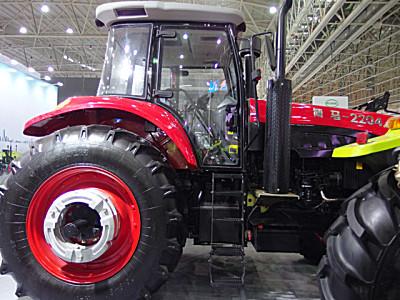 博马2204轮式拖拉机