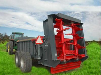 蒙拓2FCP-15.4型有机肥抛撒车