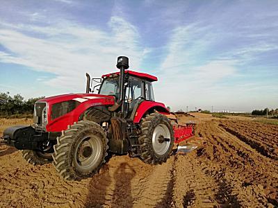 东方红LX2404D轮式拖拉机