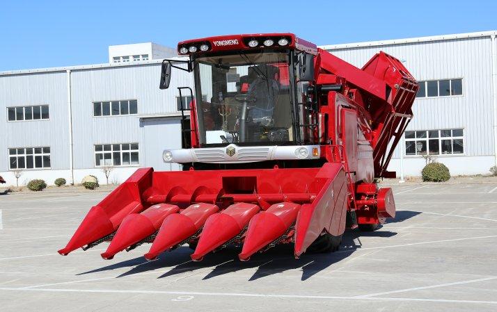 勇猛4YZ-5AQ1自走式玉米收获机