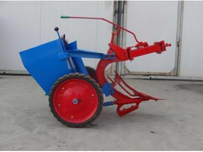 宁夏新大众2CM-1型马铃薯种植机