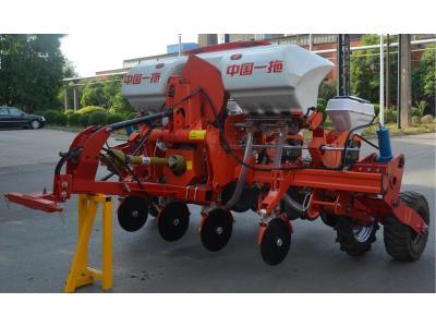 东方红2BMQ-4牵引式气吸免耕播种机
