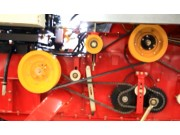 滚筒转速调整--春雨4LZ-7小麦收获机的调整保养