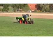 德国阿玛松撒肥机作业视频