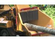 威猛AX19木材粉碎机-作业视频