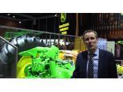 约翰迪尔SIMA展会展区6520R拖拉机介绍