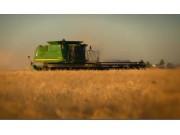 约翰迪尔用技术提高农业效率视频
