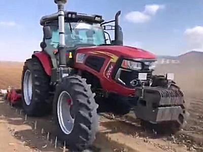亿嘉迪敖YJ-2004拖拉机作业视频一