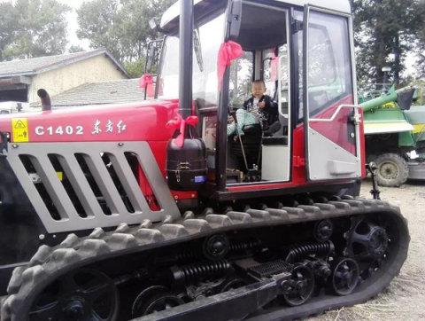 东方红履带拖拉机