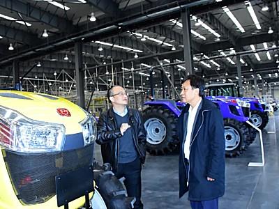 工信部装备工业发展中心主任瞿国春 调研东风井关农机装备转型升级工作