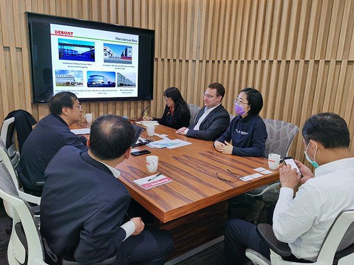 德邦大为董事长刘汉武与科乐收(中国)总经理杨善成会谈