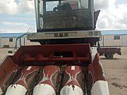 勇猛4YZ-4H-590自走式玉米收获机