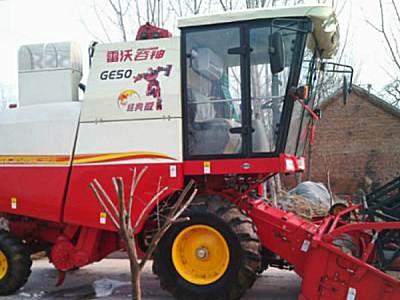 雷沃GE50小麦收割机