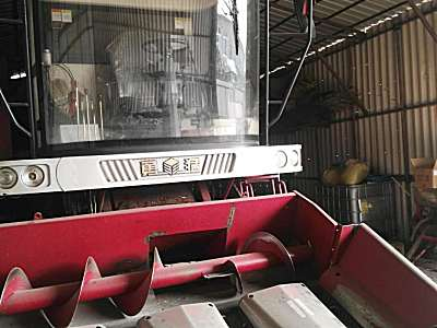 <em>勇猛</em>YZ4650型自走式玉米收割机