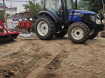 雷沃1404拖拉机