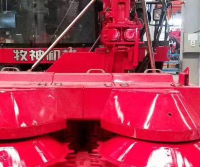 新疆牧神4QZ-3000A型自走式青(黄)贮饲料收获机