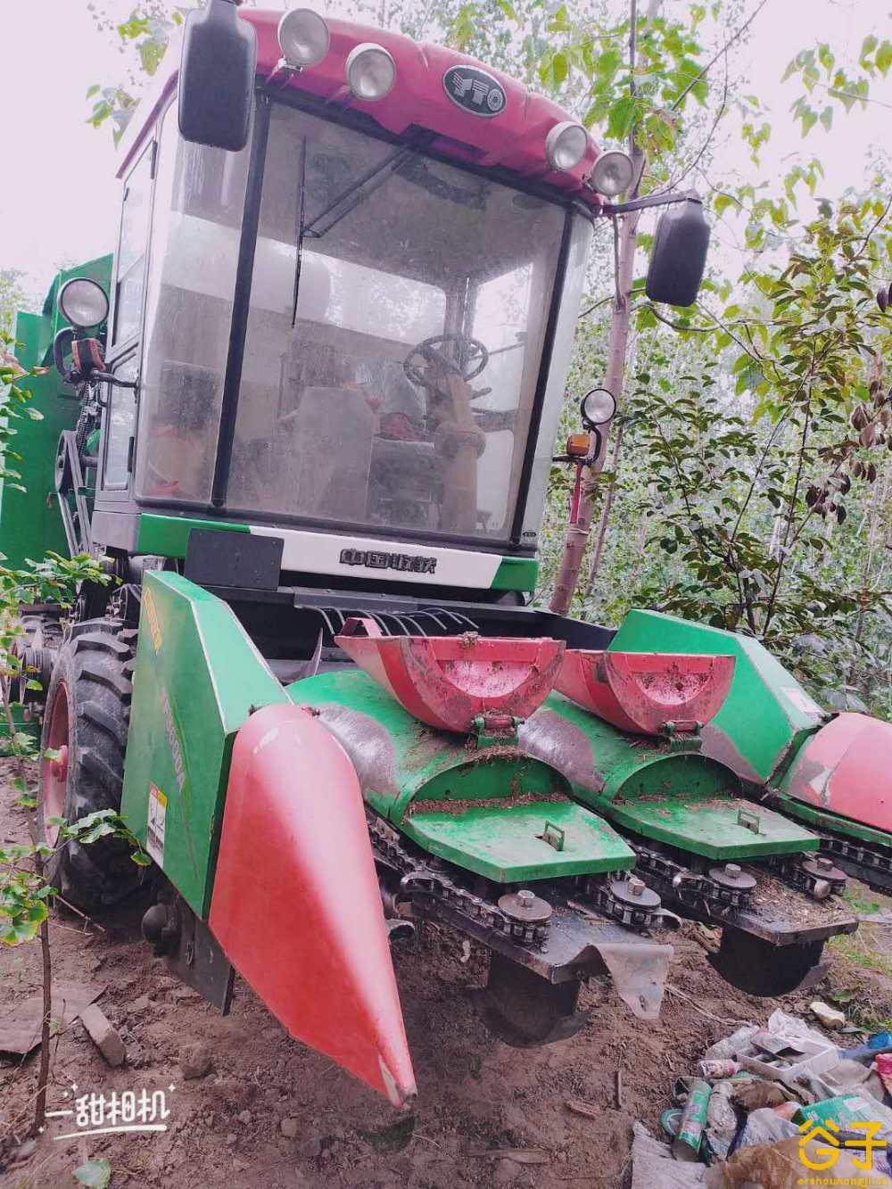 中国收获3行玉米收割机
