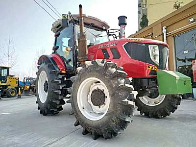 瑞昊2104F大型拖拉机