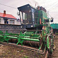 約翰迪爾1048大豆收割機