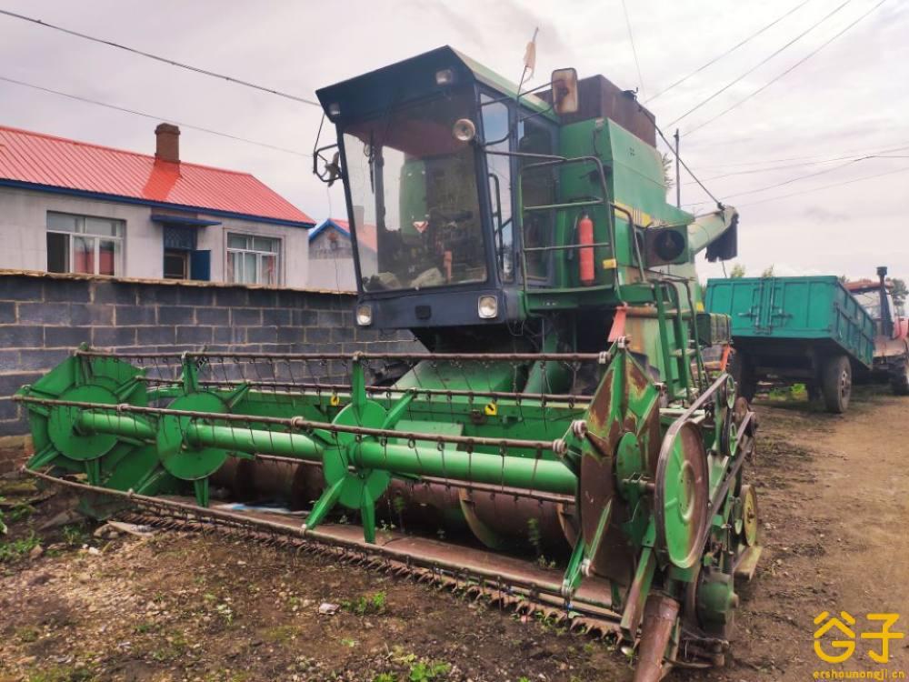 约翰迪尔1048大豆收割机