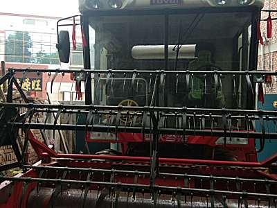 雷沃谷神GE70收割机