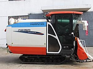 久保田DR120收割机