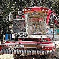 豪丰牌4HJZZ-2600型自走式花生捡拾收获机