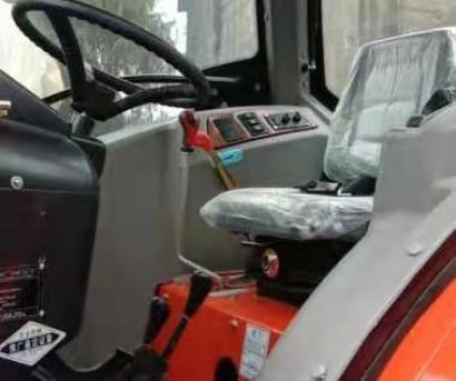 农夫902方向盘式拖拉机带旋耕机带驾驶室