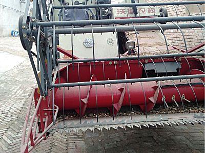 沃得4LZ-5.0MAQ履带自走全喂入式谷物联合收割机