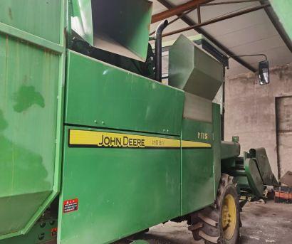 约翰迪尔Y115玉米收获机