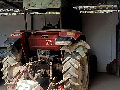 东方红X800H轮式拖拉机