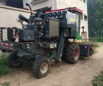 中收4LZ-7(D7150)自走轮式谷物联合收割机