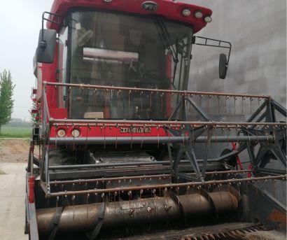 东方红4LZ-8B1(D8175)自走轮式谷物联合收获机