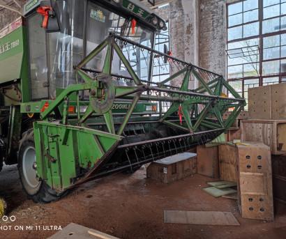 中联重科TB60小麦收割机