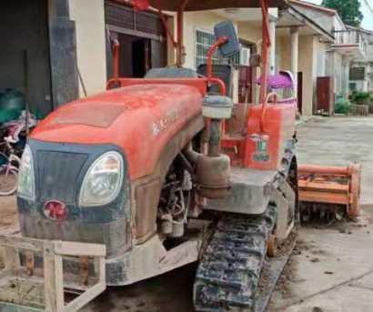 农夫702方向盘式履带拖拉机带旋耕机