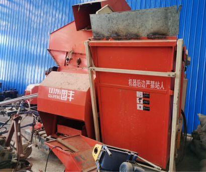 山东国丰4YZP-3L履带自走式玉米收获机