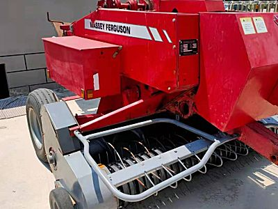 爱科麦赛福格森MF 1840小方捆打捆机