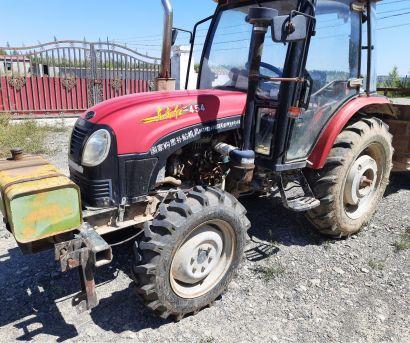 东方红SK454型轮式拖拉机