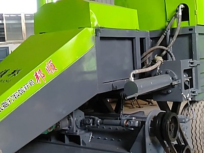 吉林顺邦9YFQ-2.2型秸秆饲料打梱机